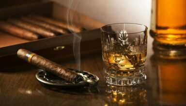 The perfect duo of summertime cigar and cool drinks